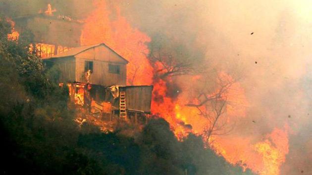 220217-incendio-chile.jpg
